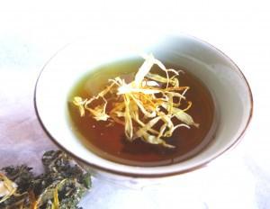 Calendula-tea-2-300x232